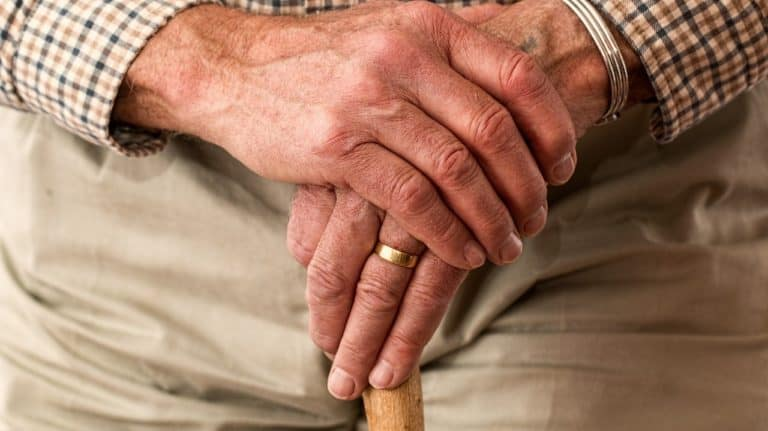Breaking-the-news-of-death-to-dementia-spouse